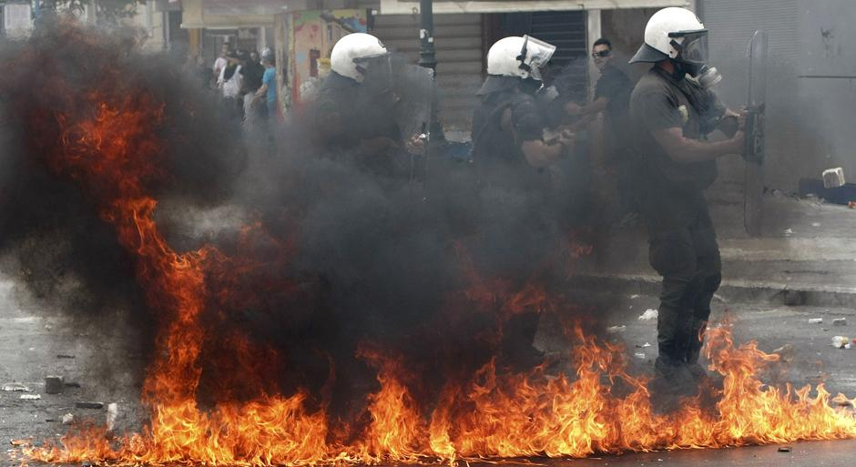 3 Протесты в Греции.