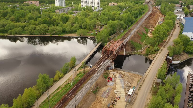 20. Строительство моста через Клязьминское водохранилище. Кадр из видео Михаила kosh_marius Рыбина. 2020