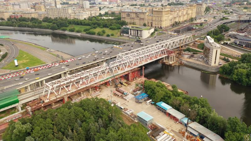 38. Строительство моста через Москва-реку. Кадр из видео Михаила Рыбина. 2020 год.