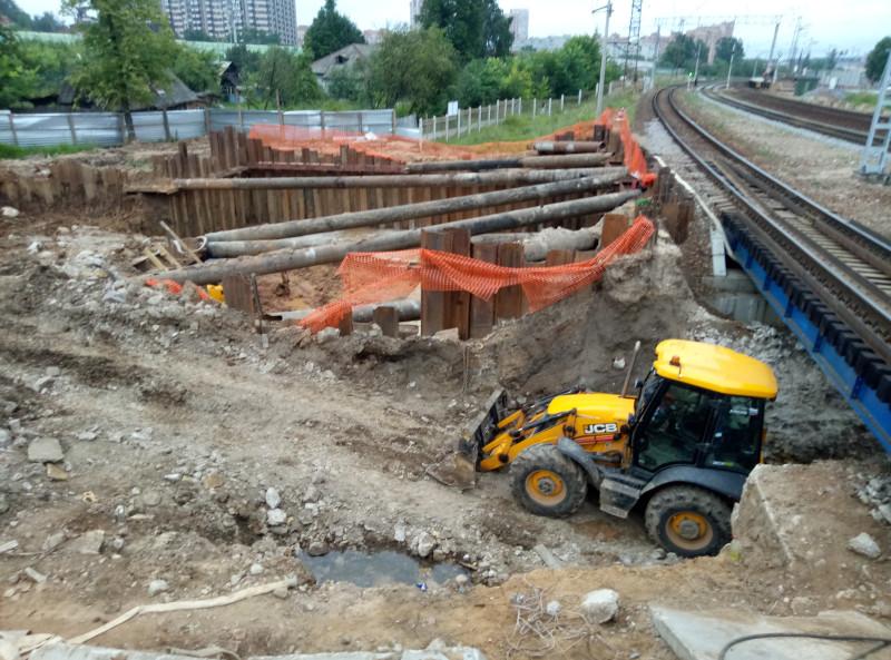25. Строительство подземного конкорса на Лесном городке. Фото — Man, форум «Наш Транспорт». 2020 год.