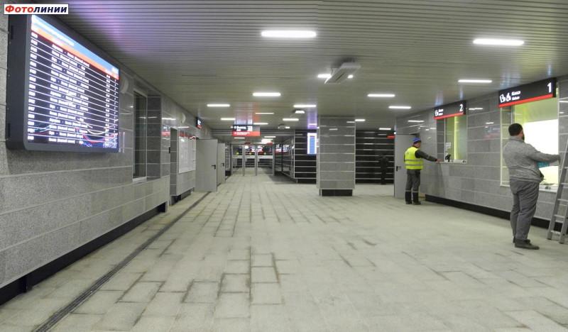 18. Платформа Санино на ПК353+00,00. Западный вестибюль. Фото — Сергей Николаев. 2020 год.