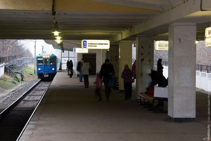 07. Платформа станции «Пионерская» до реконструкции. Фото - Александр Попов. 2006 г.