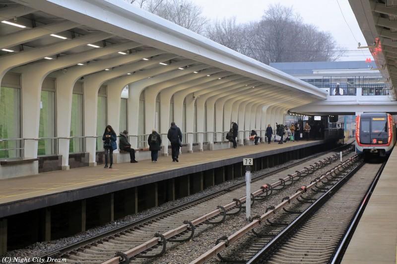 50. Платформа станции «Фили» после реконструкции. Фото - ncd2010.livejournal.com. 2019 г.
