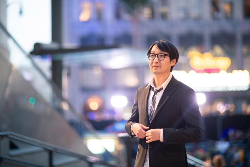 Южнокорейский монтажер Джинмо Янг, собравший фильм Паразиты