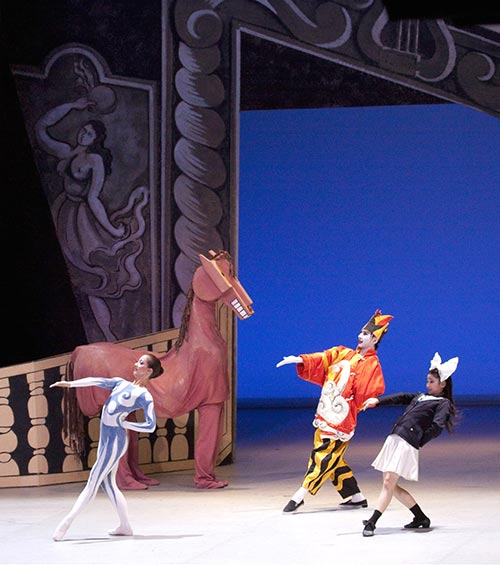 Picasso_Parade_Horse-and-4-dancers