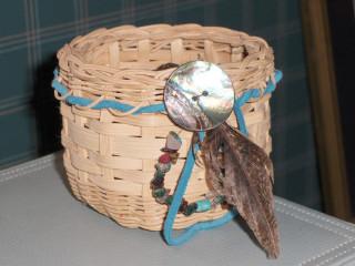 A basket altar