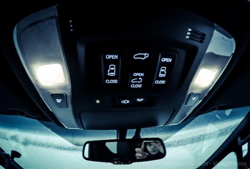 Самый бандитский автомобиль в Японии - Toyota Alphard