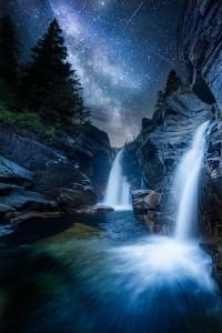 водопад ночь