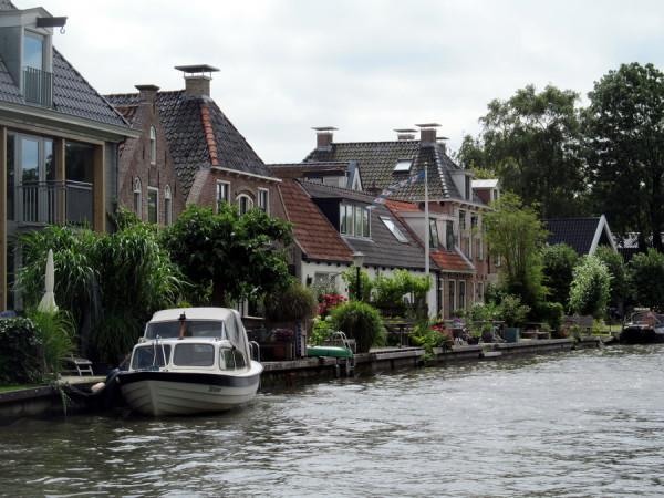 Каналами Голландии