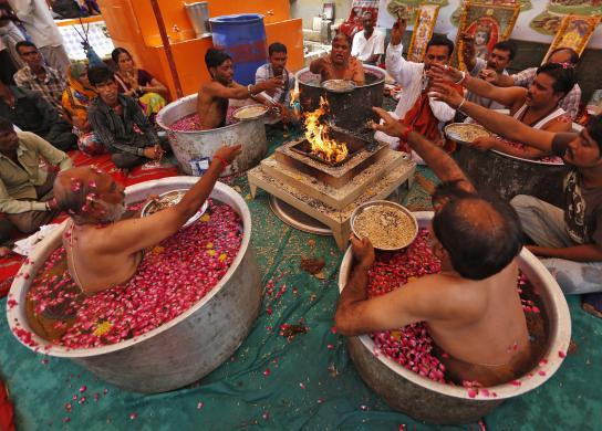 Индуистские священники