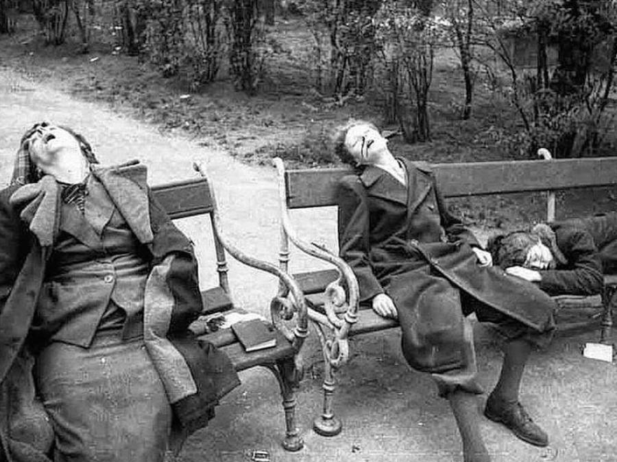 Сексуальные надругательства в тюрьмах и лагерях второй мировой войны