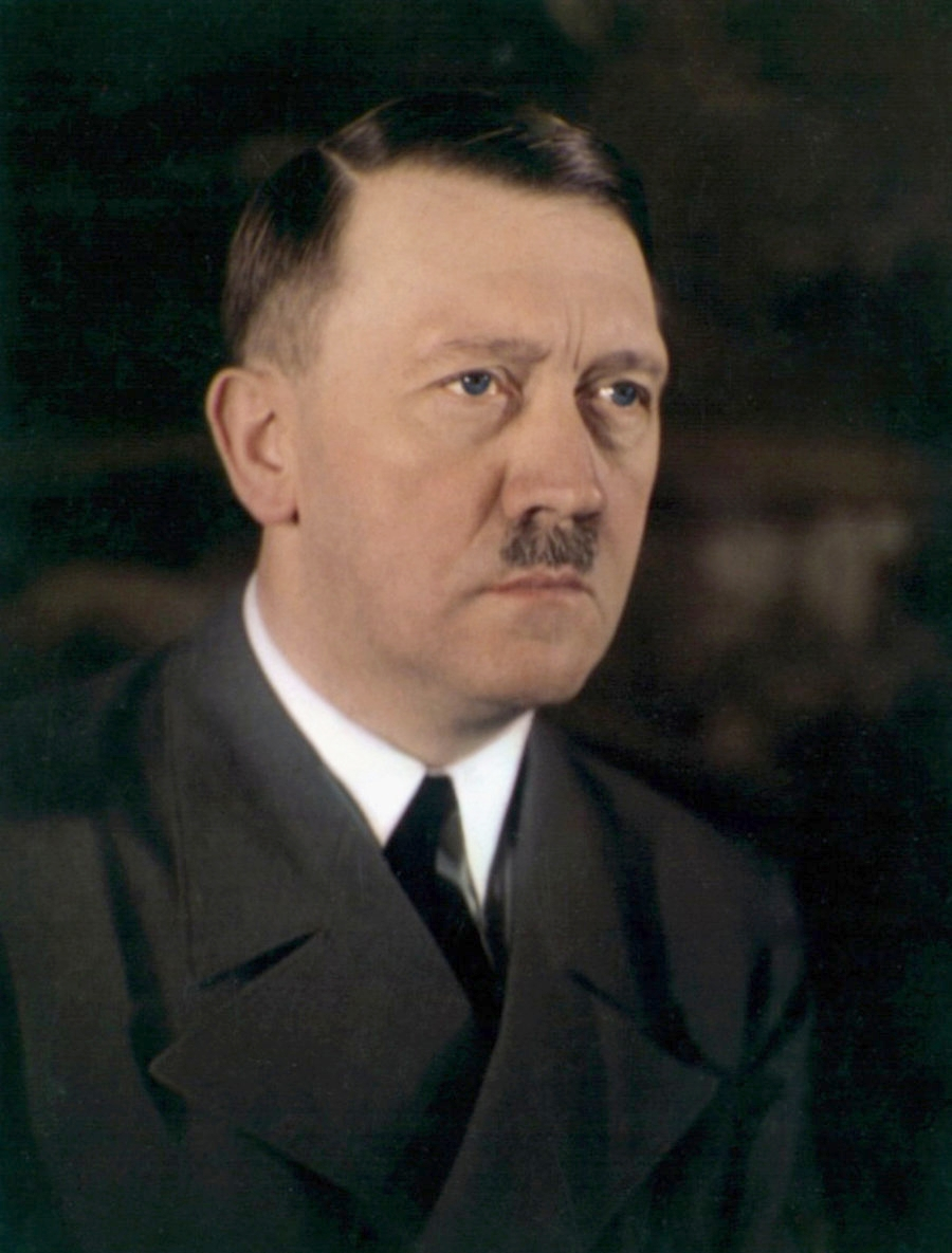 A rare color photo of Adolf Hitler which shows his true eye color (date unknown) (1)