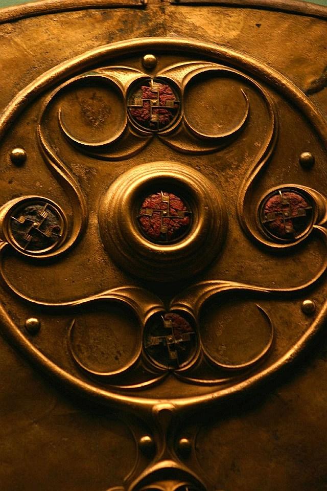 Battersea Shield  3 век н.э. британский музей кельтский щит 27 свстик