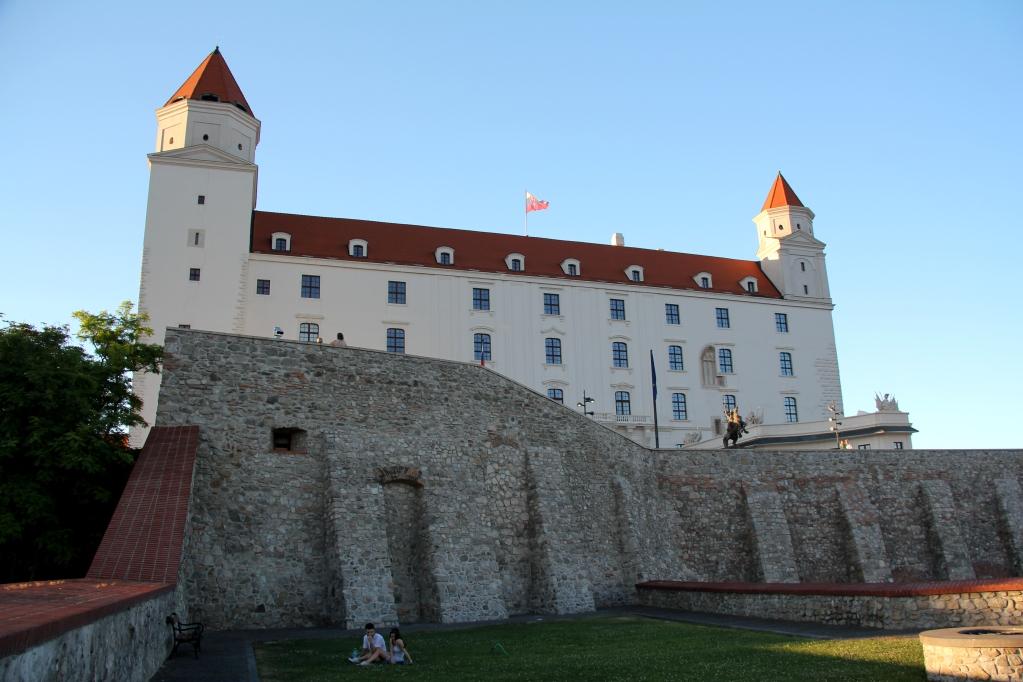 8 - Bratislava Castle.jpg