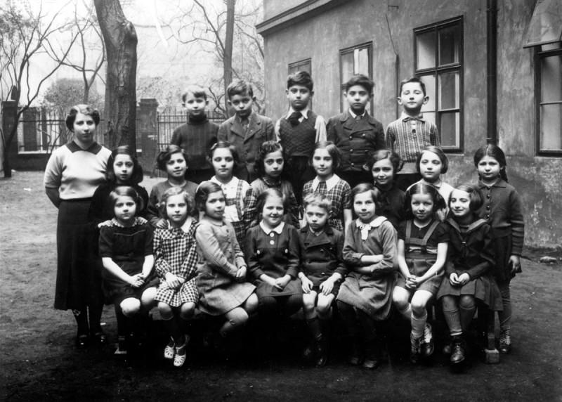 Второй класс. Прага 1937 год.