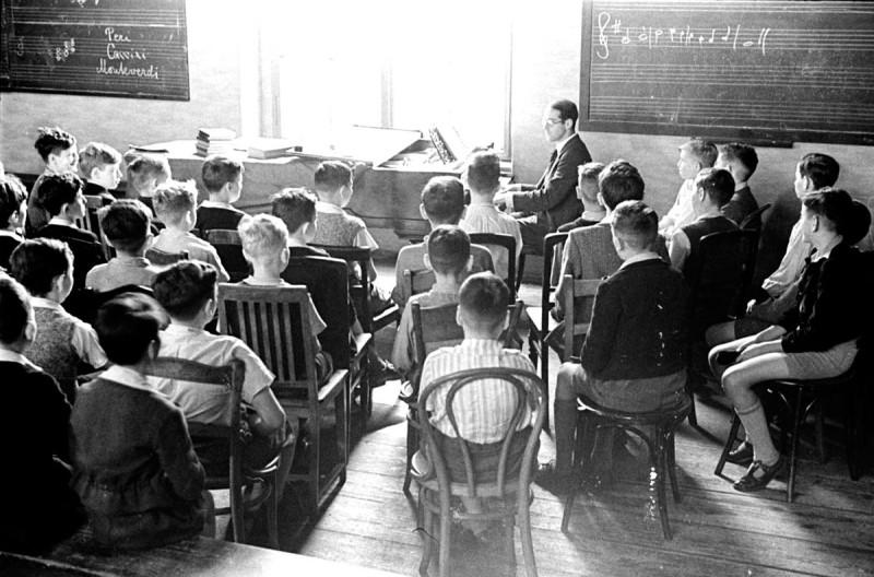 Урок музыки. Берлин 1935 год.