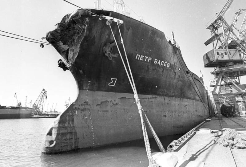Повреждения на сухогрузе «Петр Васев»