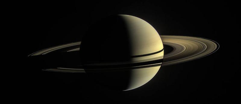 Первый взгляд на Сатурн.