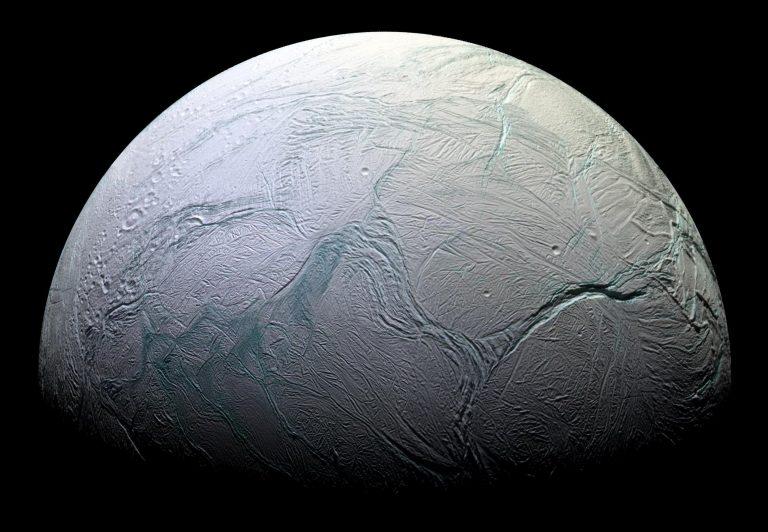Энцелад - спутник Сатурна