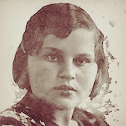 Полина Грохольская. Воспитательница детского дома.