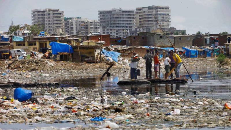 Есть ли дело этим людям до загрязнения Ганга