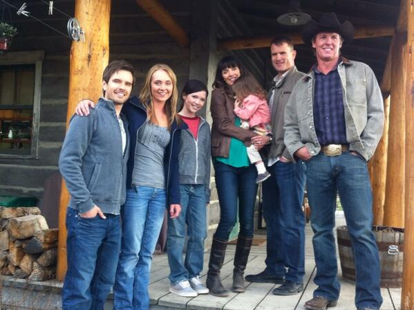 Heartland Season 7 Cast Photo #2 - Chris Potter ...