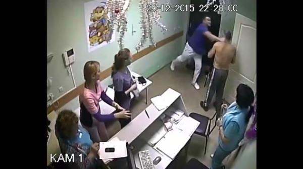 Врач белгородской больницы №2: один поциент в нокауте, второй убит