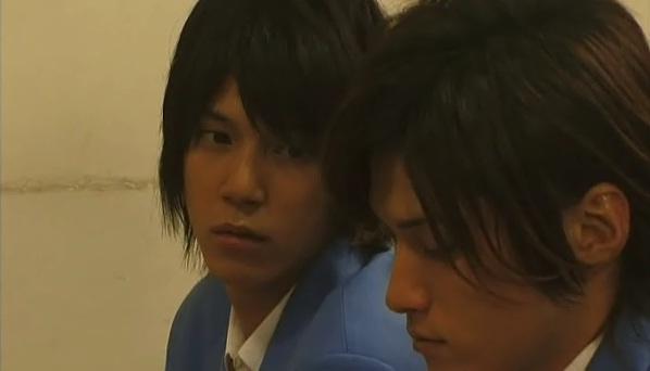 Takumi gazing at Gii