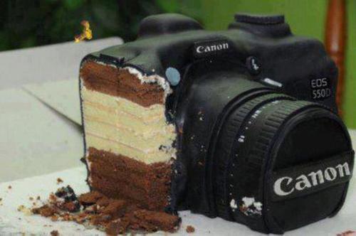 camera cake by thisisamms