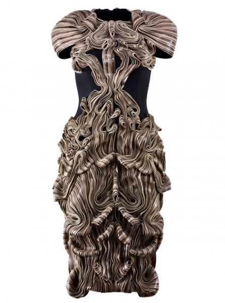 dezeen_Iris-van-Herpen-exhibition-at-the-International-Centre-for-Lace-and-Fashion_9