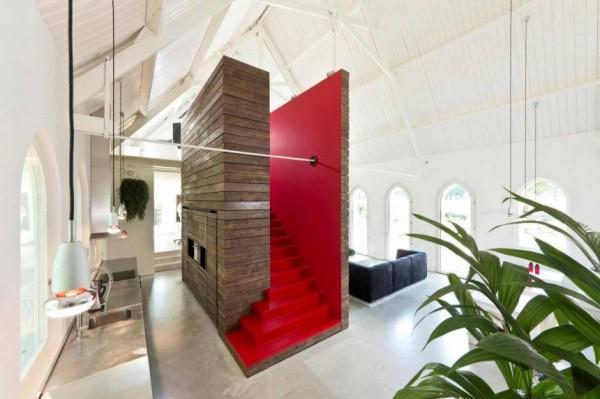 Leijh, Kappelhof, Seckel, van den Dobbelsteen Architects transformed a historical Dutch church