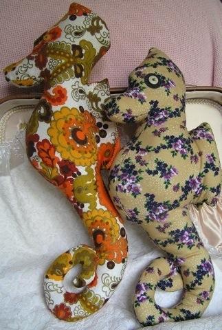 sea-horses-still-snuggle-up