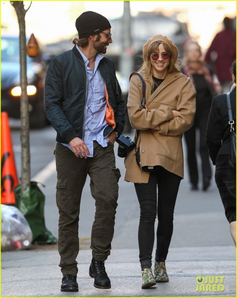bradley-cooper-suki-waterhouse-roam-nyc-before-met-ball-05