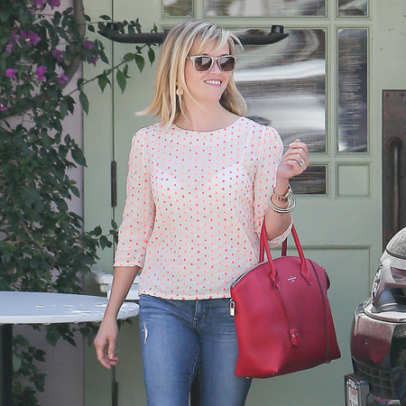 reese_witherspoon_lockit_louis_vuitton_celebrity_trend_handbag
