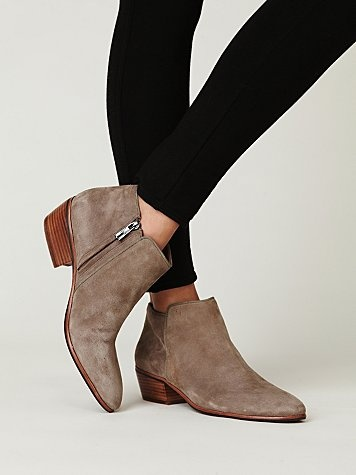 7153b48153e0 Petty Ankle boots