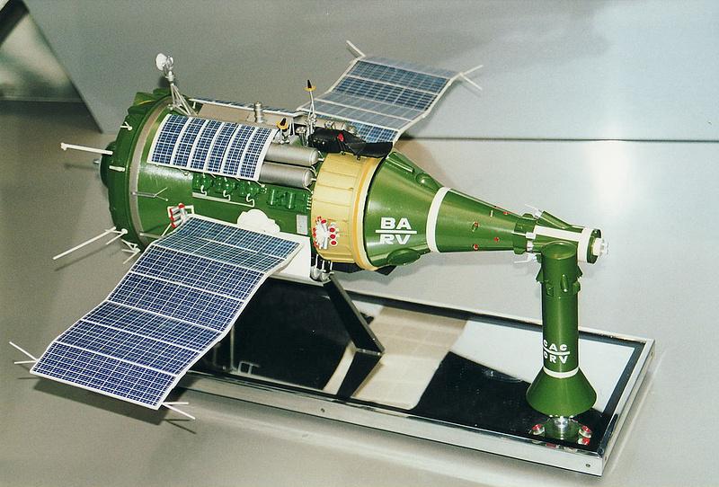 Макет космической станции своими руками 1046