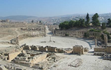 3 Jerash-Oval Plaza-panorama2