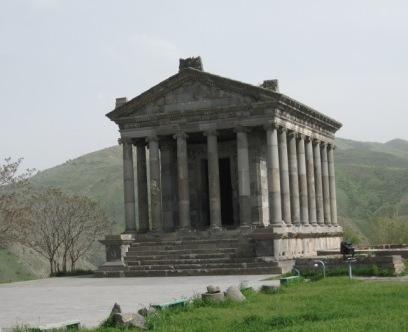 Армения -Гарни-храм Митры, построен армянским царем Трдатом в честь императора Нерона