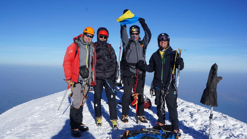 Восхождение на Монблан через три Монблана (Mont Blanc du Tacul, Mont Maudit, Mont Blanc), на вершине