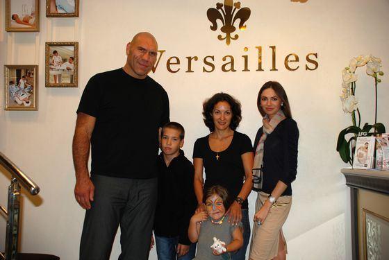 Николай Валуев со своей семьей