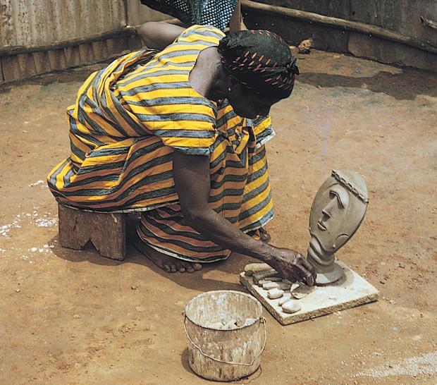 Женщина  народа  акана