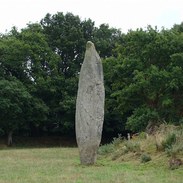 Menhir de la Roche Longue