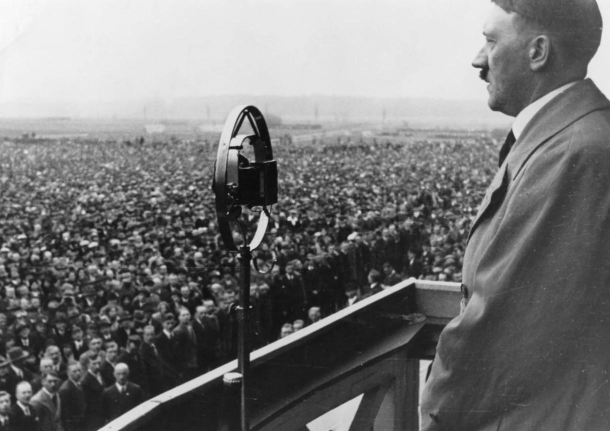 Гитлер говорит
