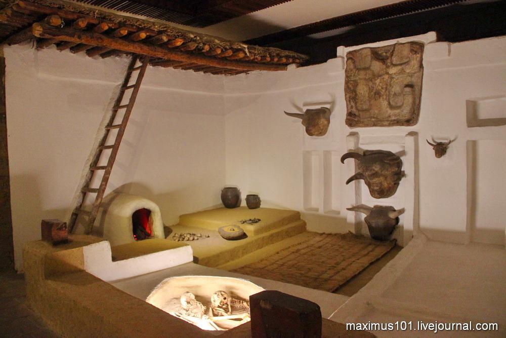 Реконструкция одной из комнат Чатал-Хююка (6000 до н.э.)