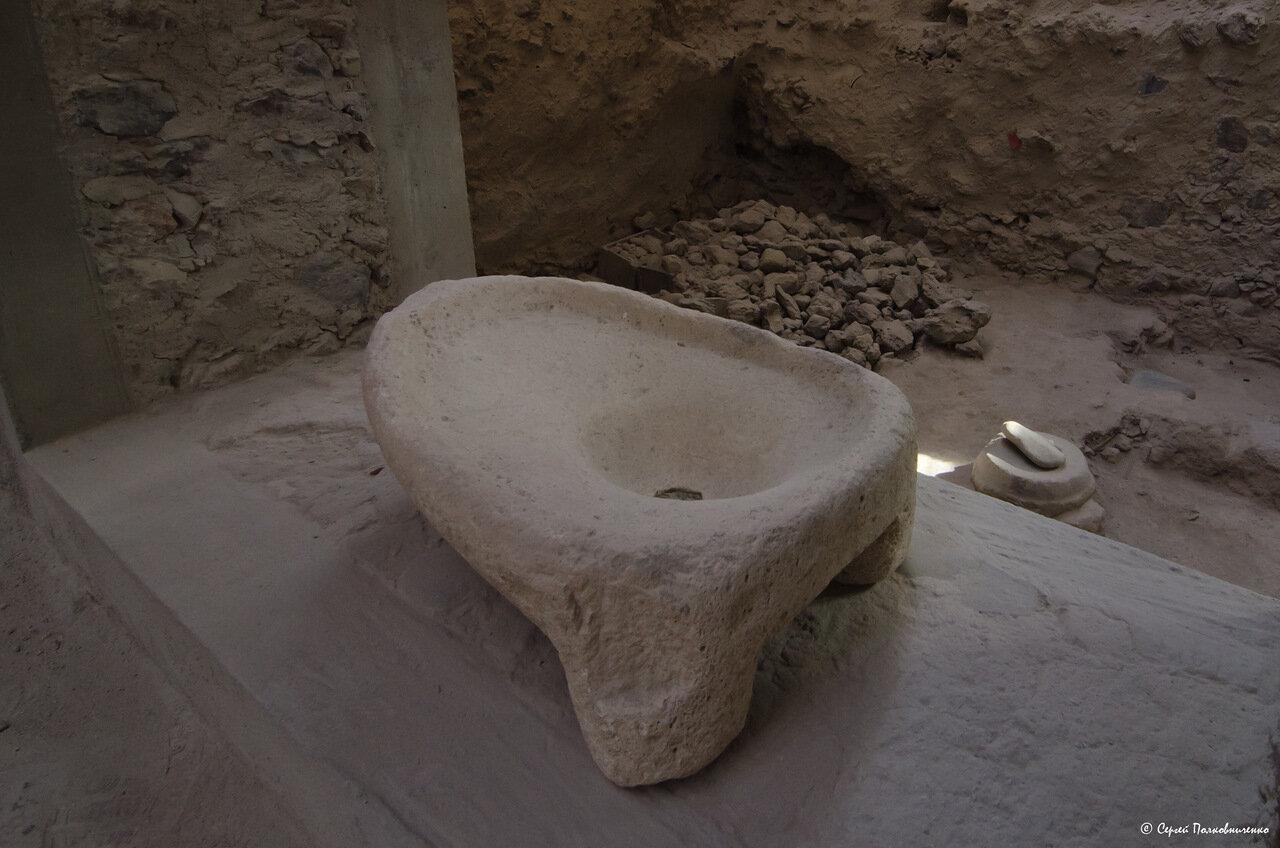 Унитаз 4000-летней давности