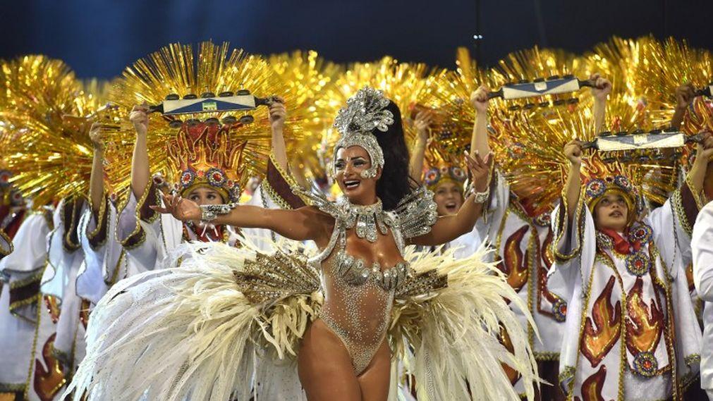Бразильский карнавал шествие