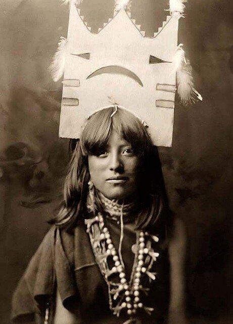 woman indian dancer Edward S. Curtis 1905