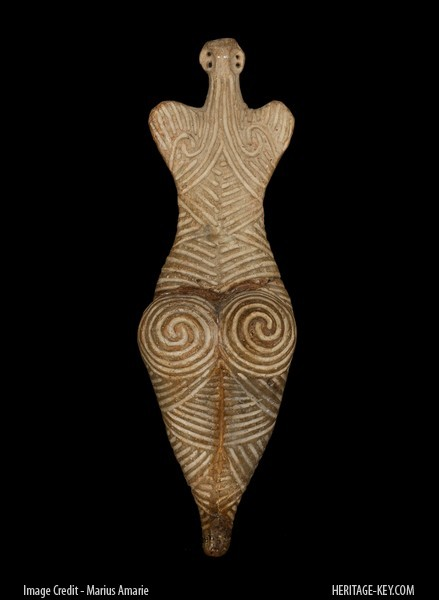 female_figurine_back
