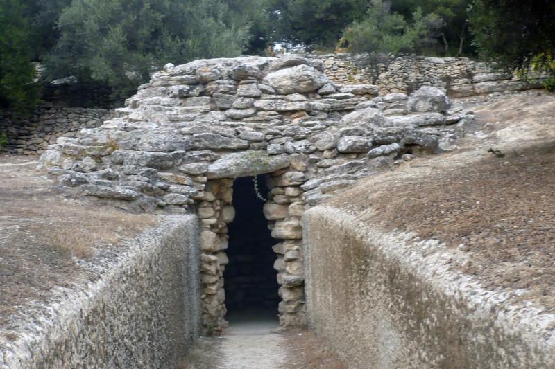 гробница 2