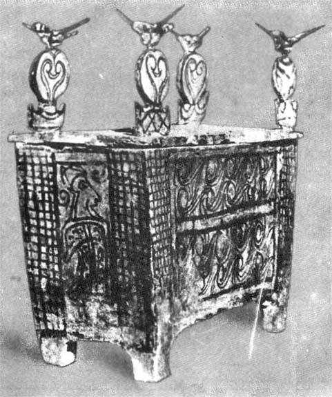 Ларнак (глиняный гроб) из Танагры (Беотия, конец XIII в. до н.э.)